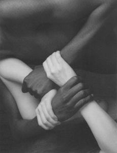 manos-blanco-negro